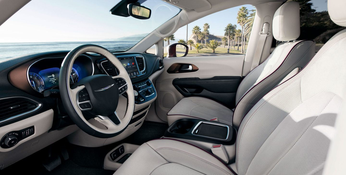 2018-chrysler-pacifica-gallery-interior-2